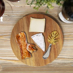 Cheese Board With Leaf Design Spreader
